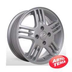 Купить STORM YQR 081 S R13 W5 PCD4x100 ET46 DIA54.1