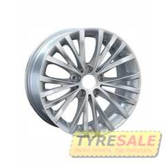 Купить REPLAY B126 Silver R18 W8 PCD5x120 ET30 HUB72.6